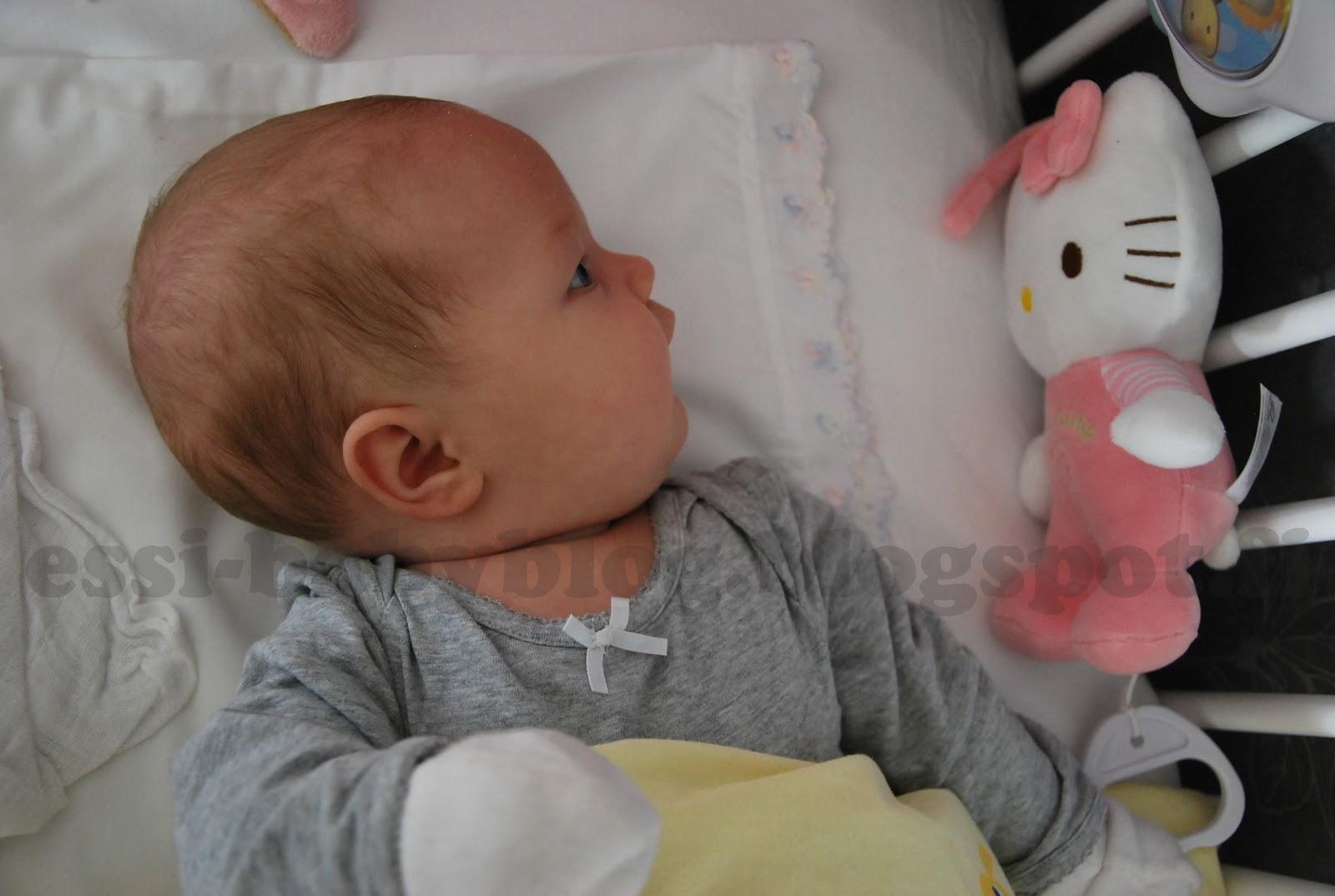vauvan pukeminen vaunuihin keväällä