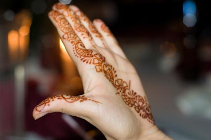 Comment enlever un tatouage à l'henné