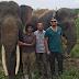 Potret Keakraban Leonardo DiCaprio Saat Dicium Gajah di Aceh
