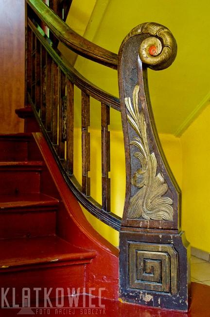 Jarocin. Secesja. Rzeźbiona drewniana balustrada