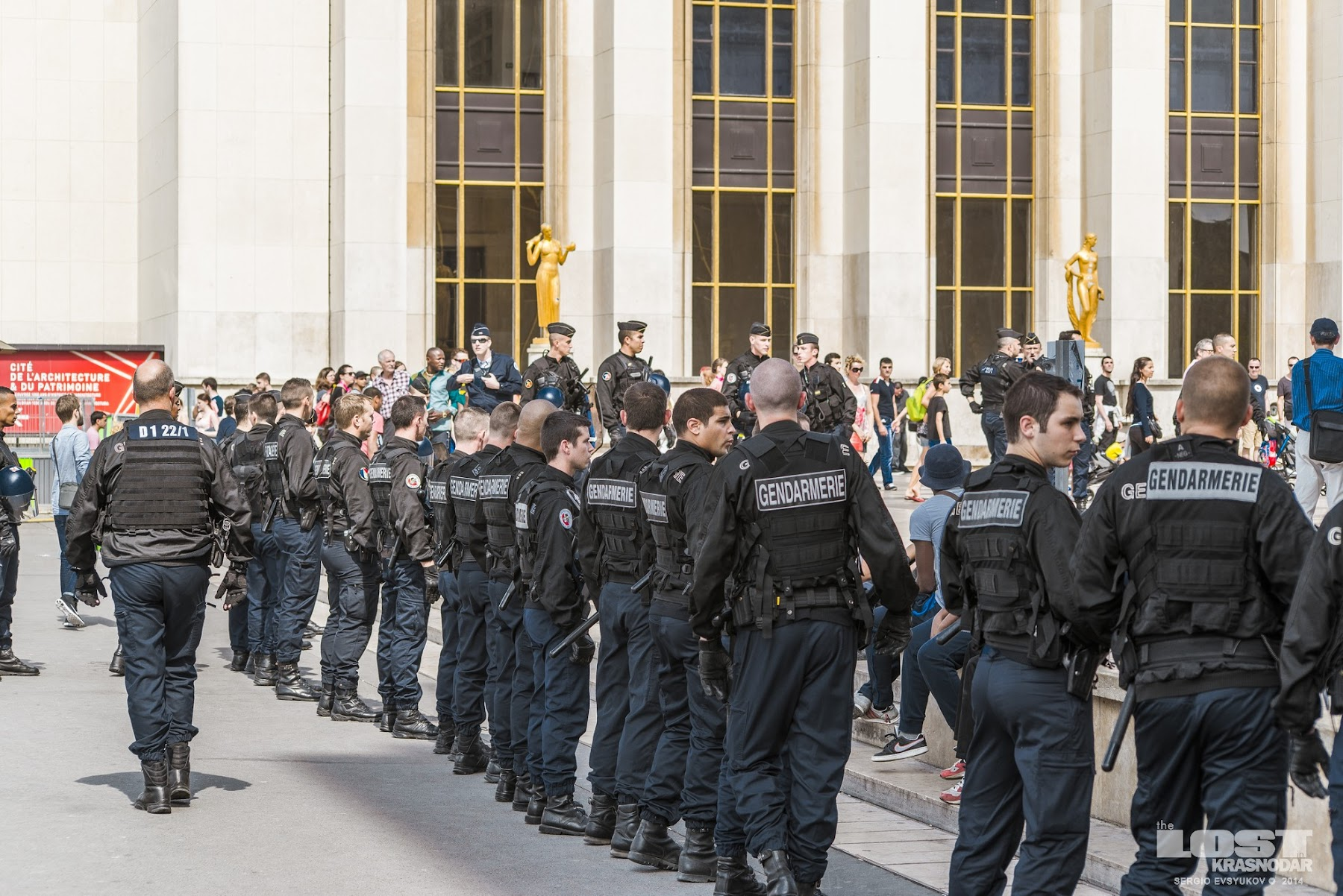 Cordon of gendarmes in Paris
