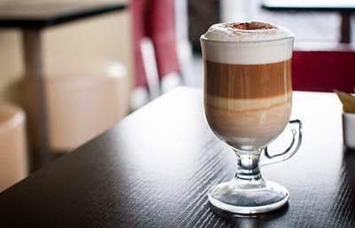 الكافيه لاتيه من انواع القهوة اللذيذة