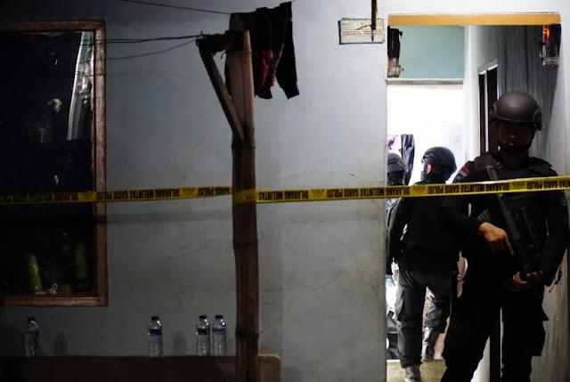 Kasar dan Tanpa Basa-basi, Penangkapan Warga Tasik Terkait Bom Panci Dipertanyakan