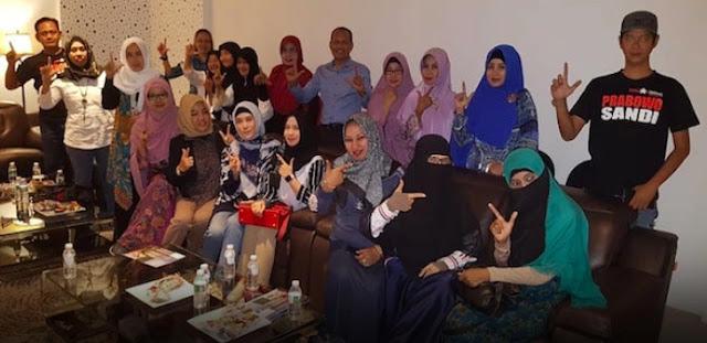 Partai Emak-Emak Langsung Gerilya di Surabaya