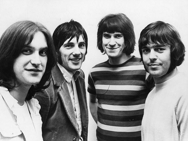 Un Clásico: The Kinks - A Well Respected Man