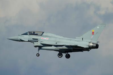 Ankunft des Eurofighter Typhoon T.3 ZK303 AX (No.41 (TES) sqn.)