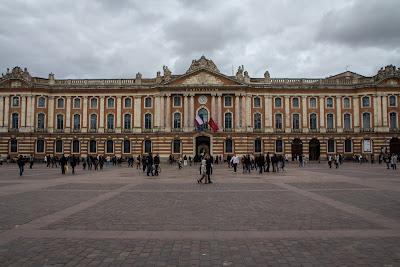Капитолийская площадь, Тулуза