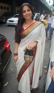 Vidya Balan Long hair Stills In White Saree (1)