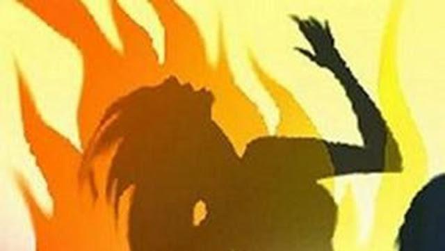 স্বামীর সাথে ঝগড়ার পর গৃহবধূর নিজ গায়ে আগুন দিয়ে আত্মহত্যা, স্বামী আটক
