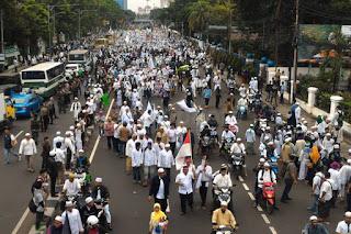 Waduh .. GNPF MUI Akan Kerahkan Ribuan Massa, Polisi Sudah Siaga di PN Jakpus - Commando