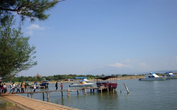 Marina Semarang Beach Tourist Attractions