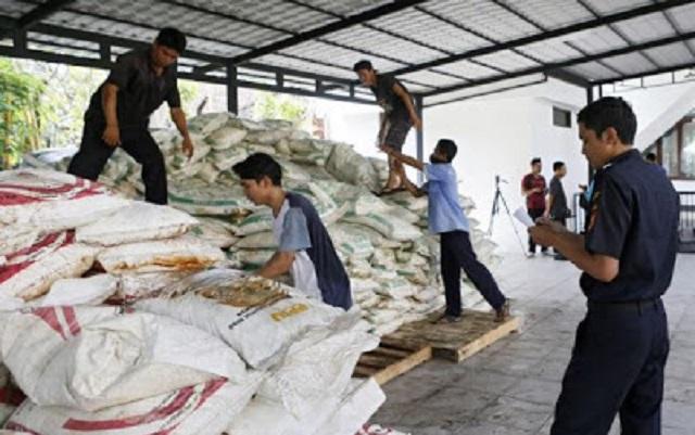 Indonesia Tahan Kapal Dari Malaysia, Disyaki Bawa Bahan Buat Bom