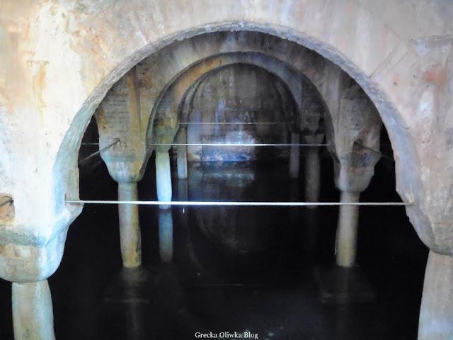 wnętrze cysterny Nea Moni Chios Grecja