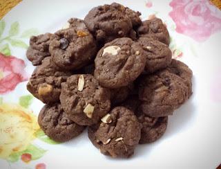 Resepi coklat chip cookies ala-ala famous amos