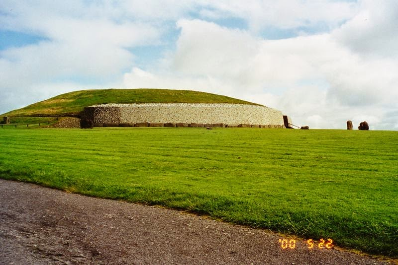 Brú na Bóinne, The Bend of the Boyne | Newgrange, Ireland