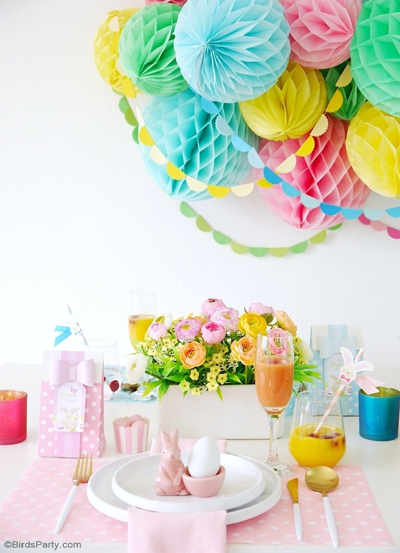 Ma Table de Brunch de Pâques En Couleurs Pastel - facile à réaliser, un décor de table pour recevoir la famille et les amis à la maison au printemps! by BirdsParty.com @birdsparty #paques #brunchpaques #artdelatable #tablepaques #tableprintemps #decordetable #brunchdepaques