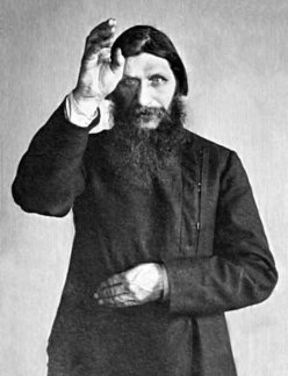 De velha data a vida política e social russa foi intoxicada pelo esoterismo. Na foto: o monge Rasputin muito ativo no fim do czarismo