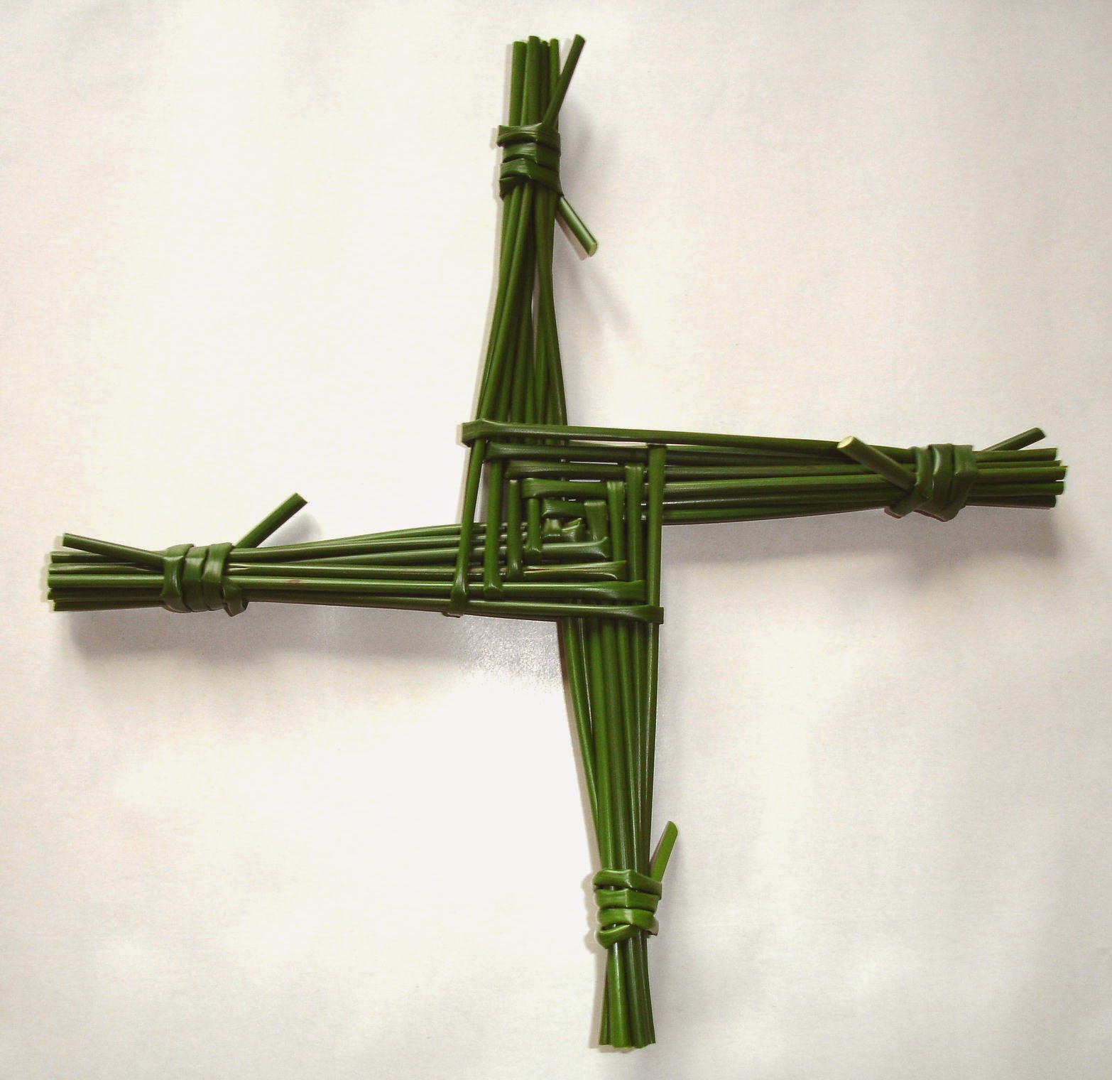 Brigid's Cross image By Culnacreann Wikimedia Commons