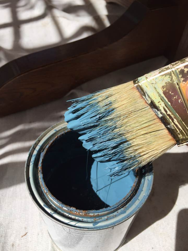 Aubusson blue (Annie Sloan Chalk Paint).