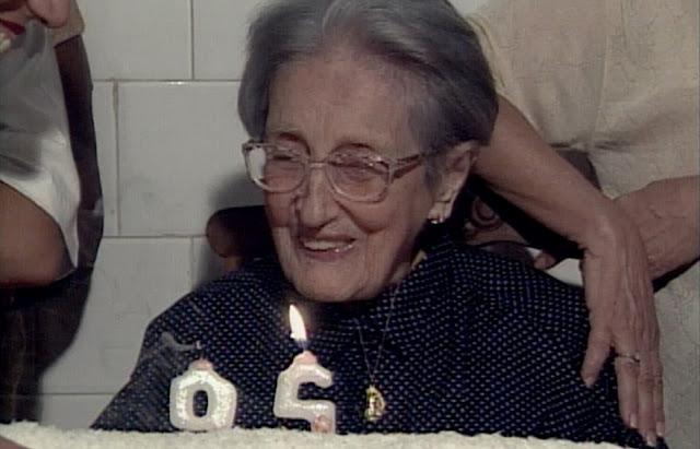 """""""Parabéns a você"""", por Bertha Celeste"""
