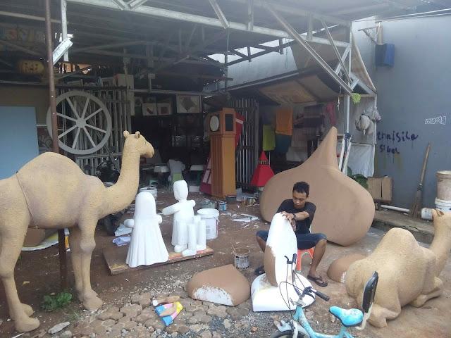 Foto Cara pembuatan properti patung Onta unta, masjid, bedug, pohon kurma untuk dekorasi ramadhan dari gabus styrofoam