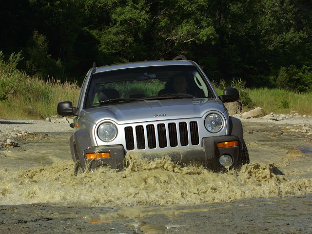 Jeep Cherokee 2004 a 2007: recall na suspensão traseira