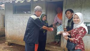 Peduli Sesama, BUMDes Mantap Cianjur Bantu Warga Kurang Mampu