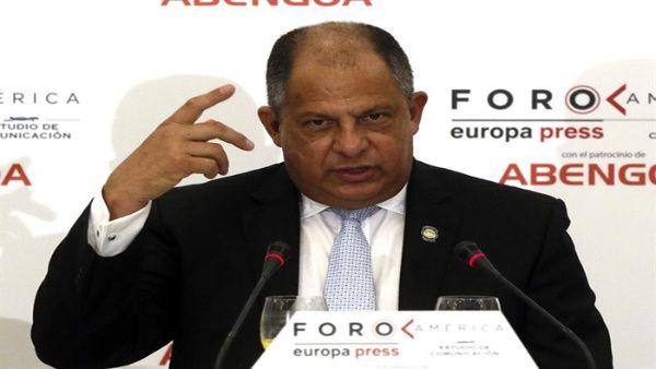 """Costa Rica pide """"salida de orden político"""" ante supuesta crisis venezolana"""