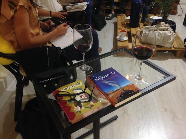 livros e vinho clube de leitura livros à sexta