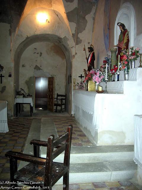 arroyo-cerezo-iglesia-presbiterio-altar