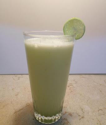 عصير صحي و منعش بنكهة الليمون الحامض