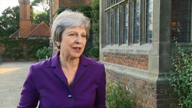 Theresa May logra el apoyo de su Gobierno para suavizar Brexit