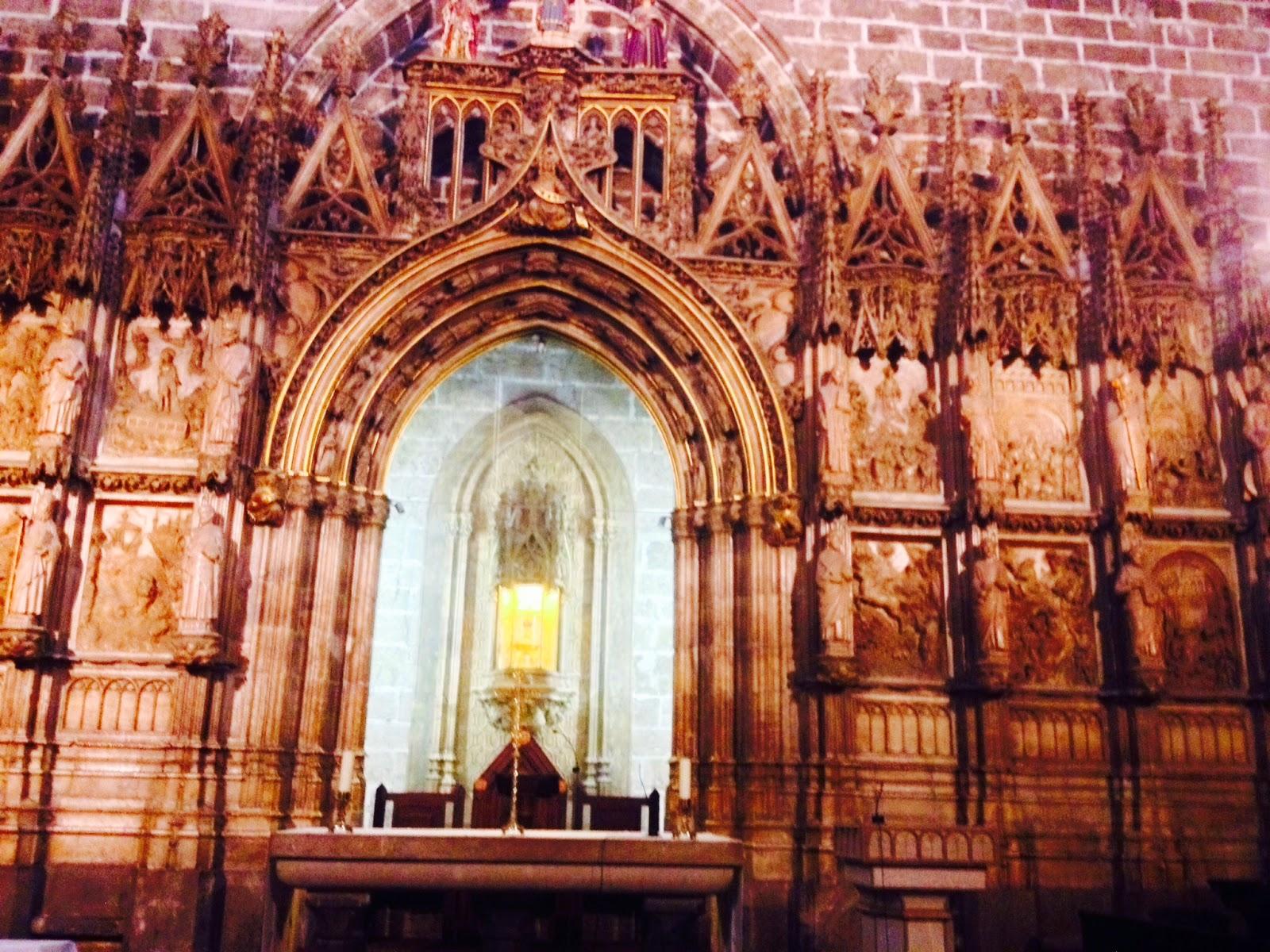 Los frescos ocultos de la catedral de valencia nivel b 1 for Interior sinonimos