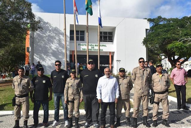 Lei que cria auxílio uniformes para agentes da SMTT de Delmiro Gouveia é aprovada e sancionada