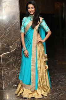 Majnu fame Priyashri sizzling pics 018.jpg