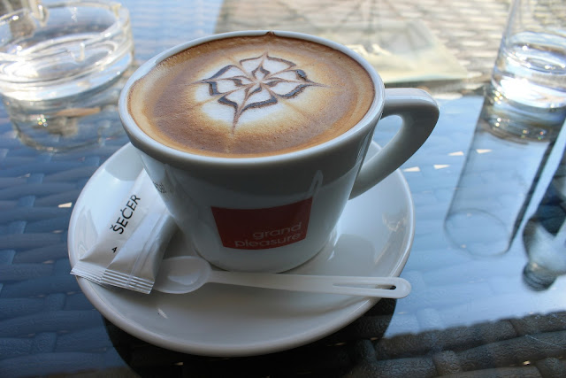 jak ozdobić kawę?