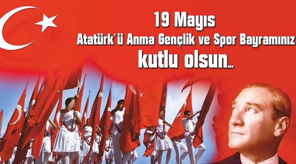 Atatürk, Gençler, Türk Bayrağı