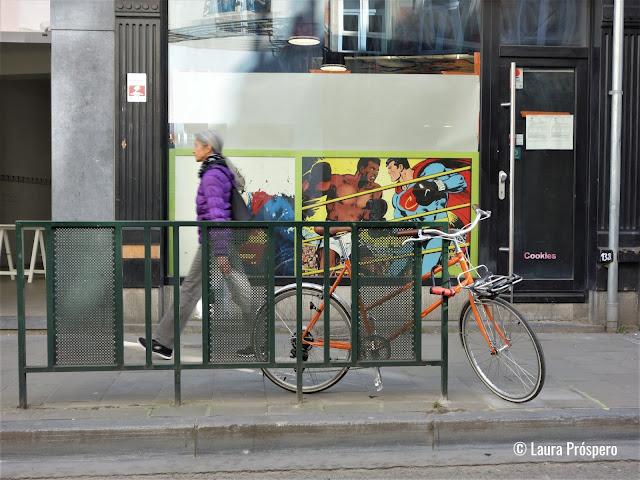 O bairro de Marolles em Bruxelas está cheio de lojas, galerias e brechós