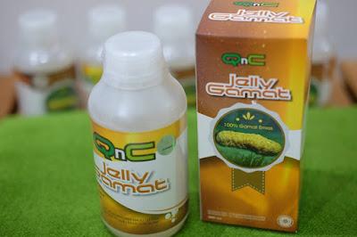- Fungsi QnC Jelly Gamat diminum untuk pengobatan kuku cantengan QnC Jelly Gamat diminum adalah proses penyembuhan dari dalam, yaitu untuk meningkatkan sistem kekebalan tubuh (sistem imun) agar dapat menyeimbangkan anti-body dan tidak mudah terserang penyakit, mampu membantu tubuh membasmi virus, bakteri, meredakan infeksi/peradangan yang juga berguna untuk membersihkan darah kotor.  - Fungsi QnC Jelly Gamat untuk pengobatan penyakit kutil kelamin  QnC Jelly Gamat dioleskan merupakan proses pengobatan dari luar, yang berguna untuk regenerasi sel pada kulit, dilanjut dengan membasmi dan menghilangkan gatal akibat bakteri, membersihkan kulit, mengurangi iritasi karena sering tergores, serta meregenerasi kulit mati/rusak atau membusuk sekalipun menjadi pulih tanpa bekas/menghitam.