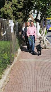 Μια βόλτα με οδηγό μου τον Angel! Σε συνεργασία με το Κέντρο Σκύλων Οδηγών Ελλάδος για άτομα με προβλήματα όρασης.