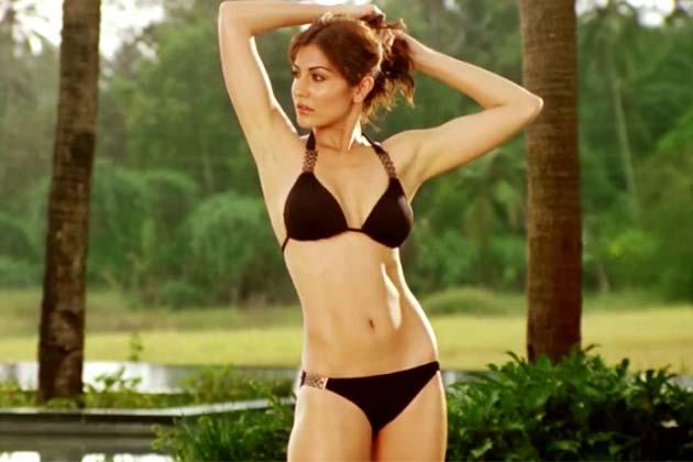 Bollywood Celebrities in Bikini, Hot Celebrities, Bollywood Hottest ...