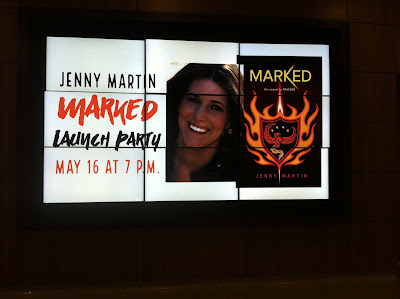 Amber the Blonde Writer: #WritersLife: Meeting Author Jenny Martin at Irving Public Library