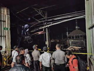 Pabrik Triplek Terbakar,  4 Karyawan Dirawat di RSU DR Haryoto Lumajang