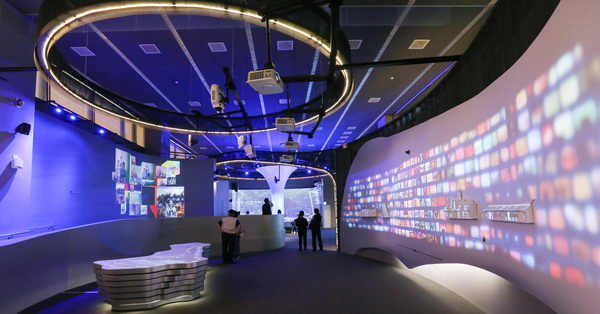 《台中.西屯》台中願景館-多媒體互動呈現台中四大主題,AR、5D、光雕、環景照,讓大家更認識台中