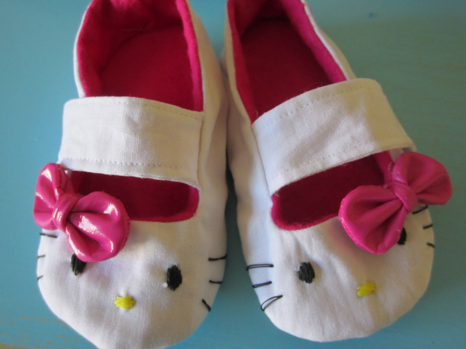 157ff060efe1 skye   will s magical stories  hello kitty shoes