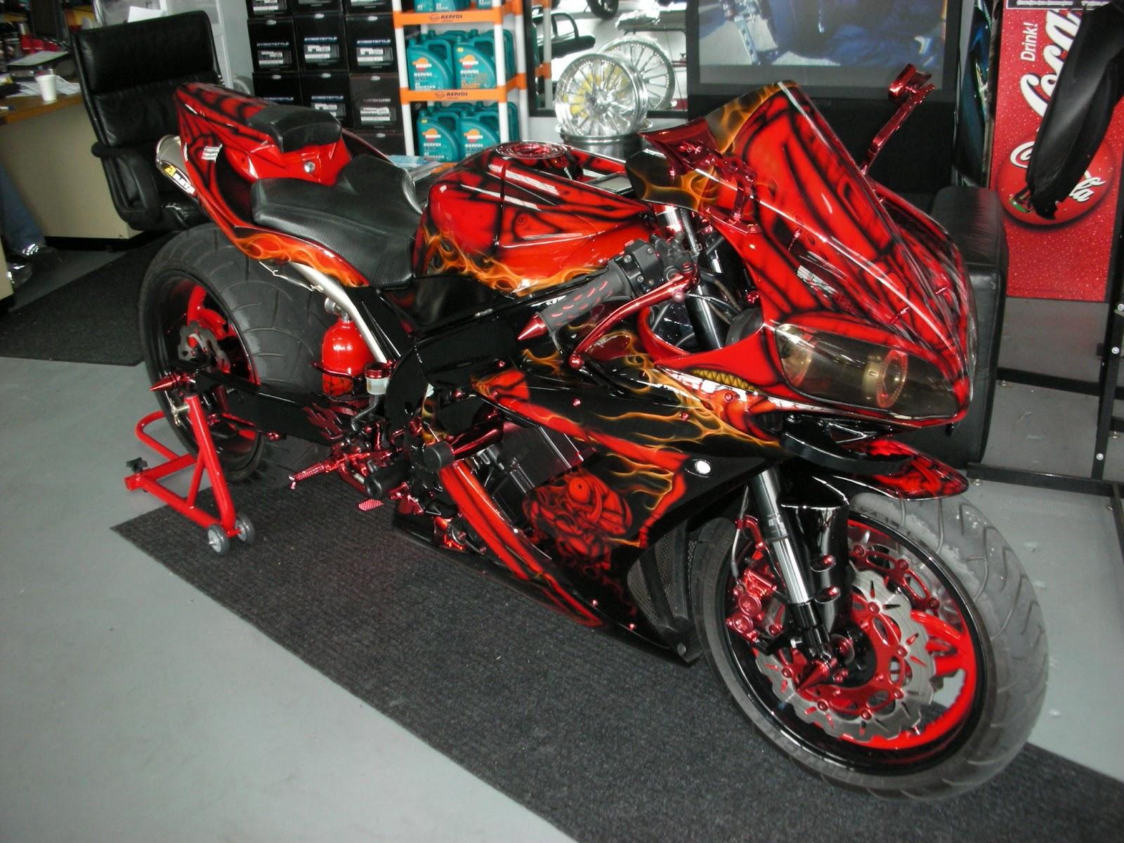Yamaha r1 custom