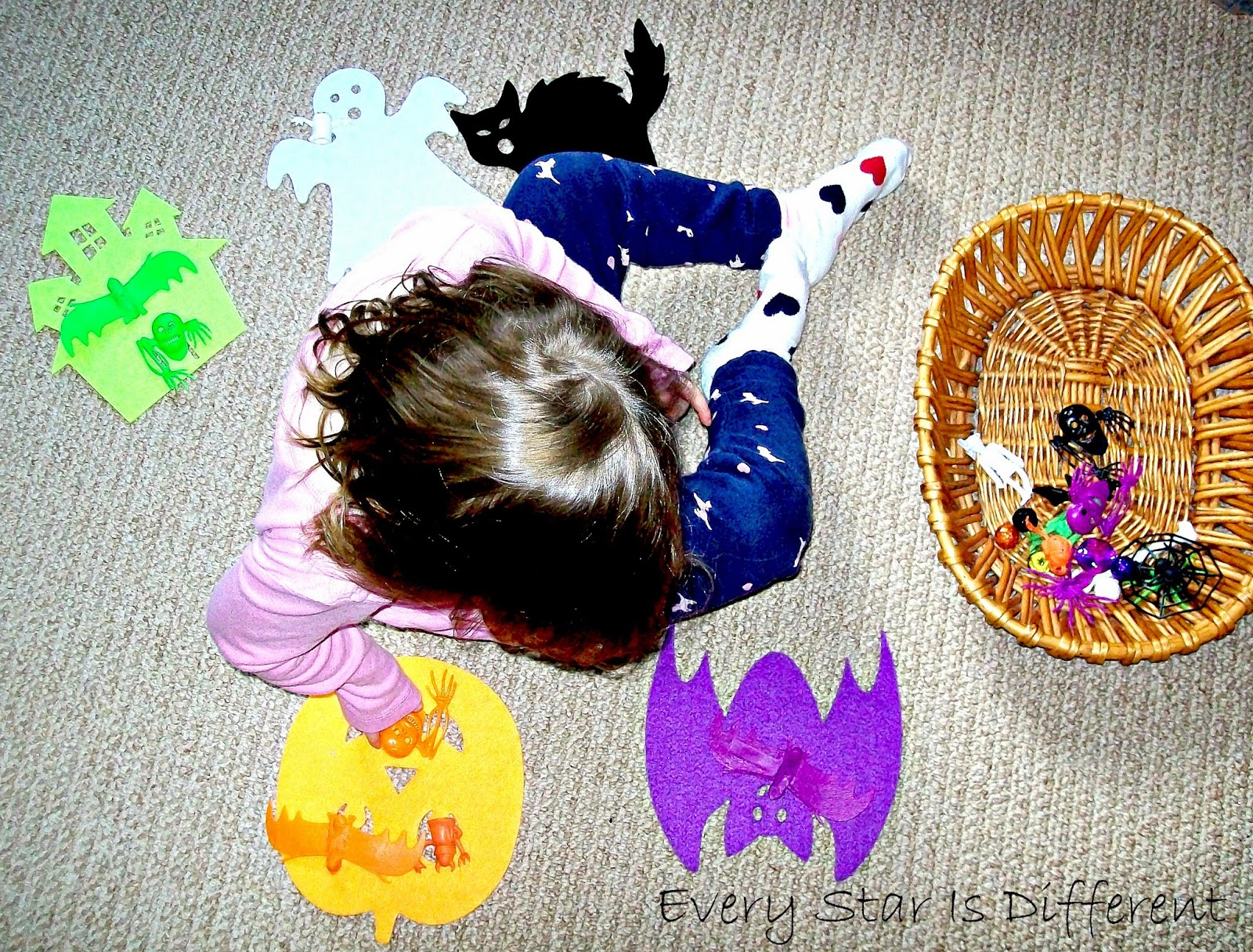 Halloween color sorting activity.