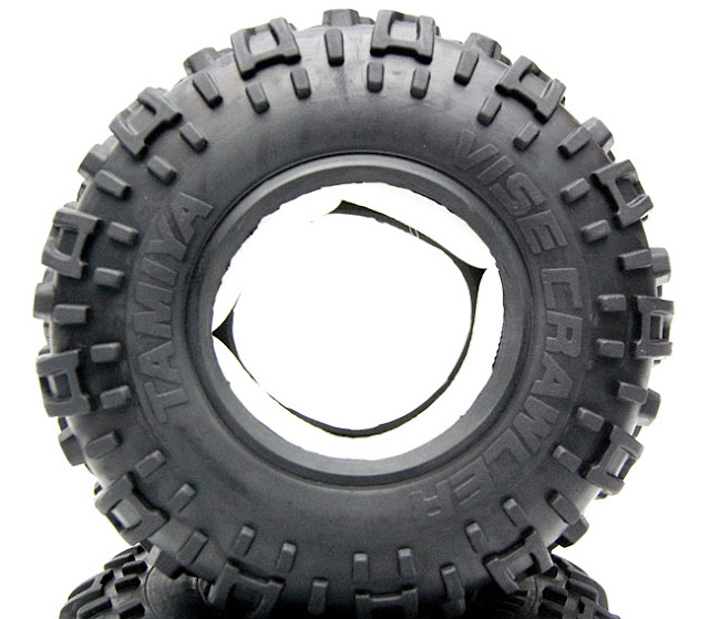 Tamiya CR-01 Toyota Land Cruiser vise crawler tires