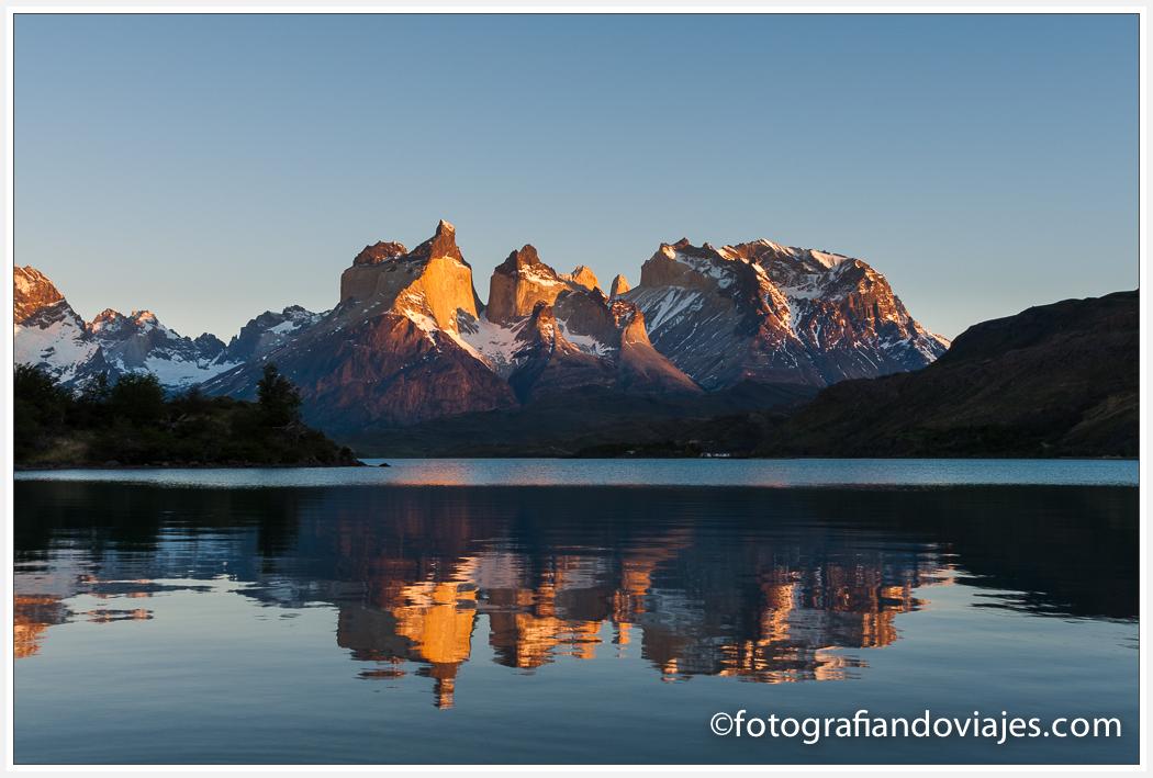 Cuernos del Paine desde el camping Lago Pehoe