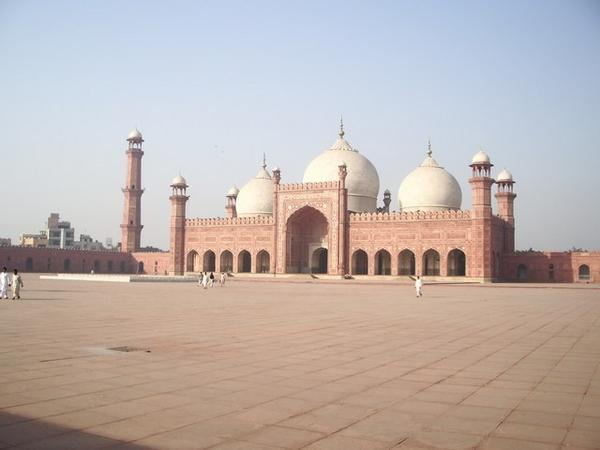 badshahi mosque wallpapers - Building Traveling
